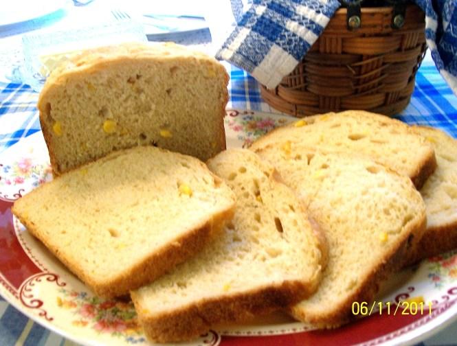 Corny Bread - Made in a Bread Machine - My Yellow Farmhouse.com