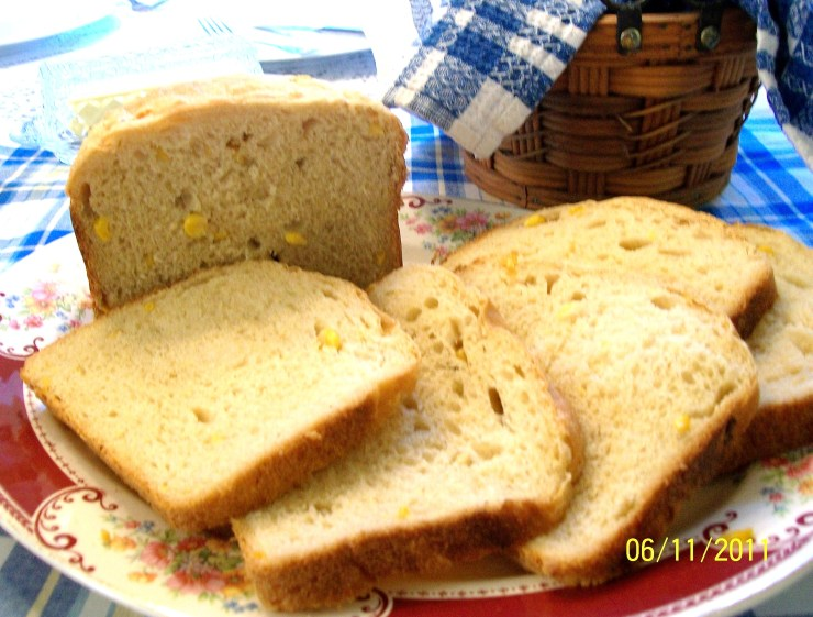 Corny Bread - Made in a Bread Machine - My Yellow Farmhouse.com