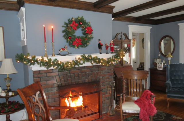 Christmas at My Yellow Farmhouse - 1