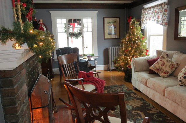 Christmas at My Yellow Farmhouse - 2
