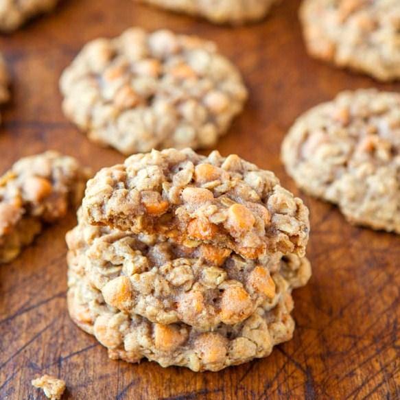 oatmealscotchies-Averie Cooks