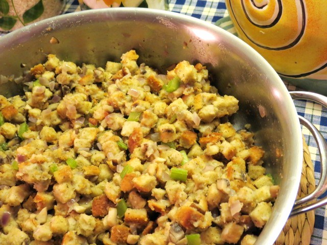 "Make-Ahead Turkey Dinner - ""Herb Stuffing with Baby Bella Mushrooms"" - My Yellow Farmhouse.com"