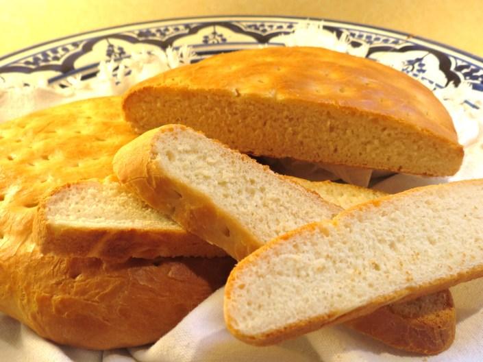 Khobz - Moroccan Bread - www.myyellowfarmhouse.com
