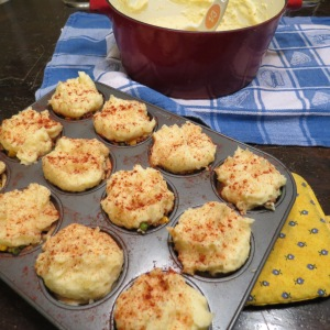 Mini Shepherds Pies - - and I do mean 'pies'!  myyellowfarmhouse.com