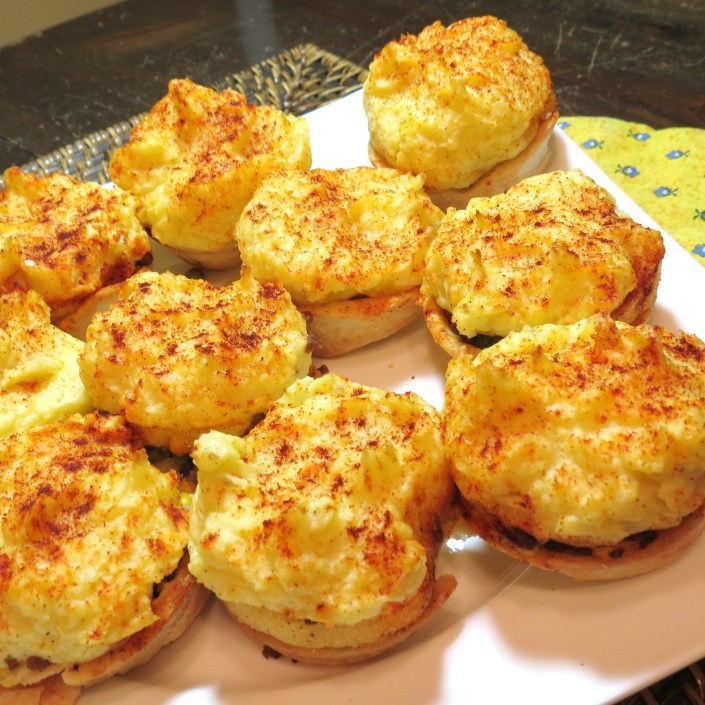 Mini Shepherds Pies - and I do mean 'pies'!  www.myyellowfarmhouse.com