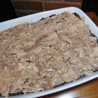 Pumpkin Patch Ice Cream Cake -myyellowfarmhouse.com