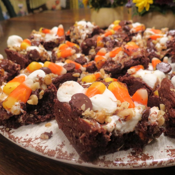 Frightfully Delicious Halloween Bars with Candy Corn - myyellowfarmhouse.com (2)