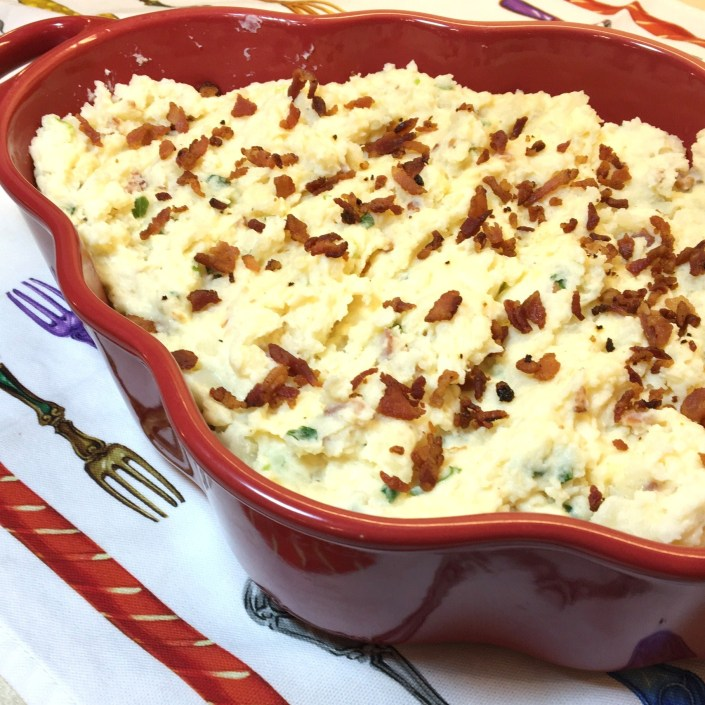 slow-cooker-loaded-mashed-potatoes-myyellowfarmhouse-com