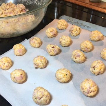 ham-cheddar-cheese-balls-myyellowfarmhouse-com